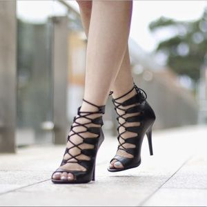 Chinese Laundry Lace up heel